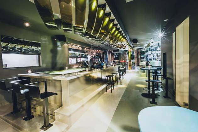 Bar RUFUS ROCKHEAD